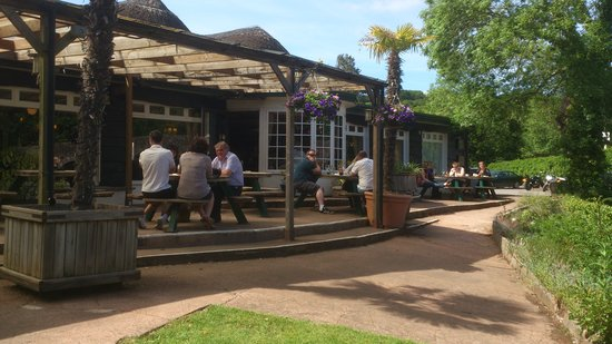 Fishermans Cot: Riverbank Dining