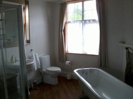 Lower Drayton Farm B&B: bathroom