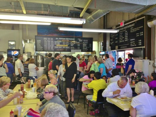 Place Is Packed Picture Of Nc Seafood Restaurant Raleigh