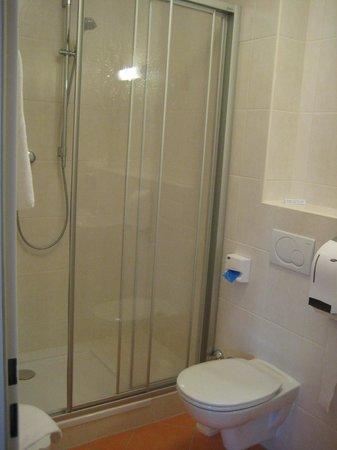 Hotel Kindler: WC mit Dusche