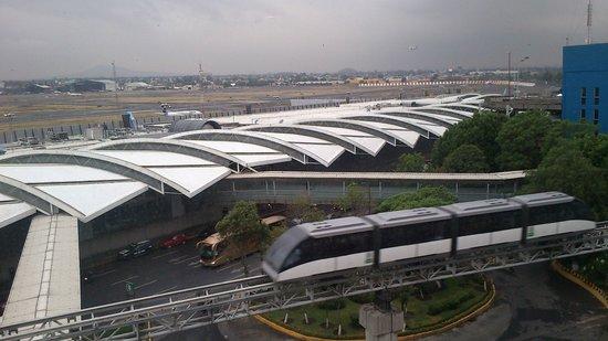Camino Real Aeropuerto: Vista de Día