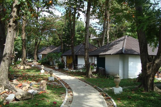 The Island Resort and Spa: les bungalows island resort