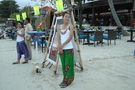 The Island Resort and Spa: un restaurent sur la plage
