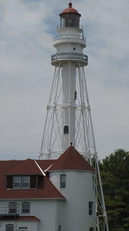 Lighthouse Inn Hotel: lighthouse at point beach