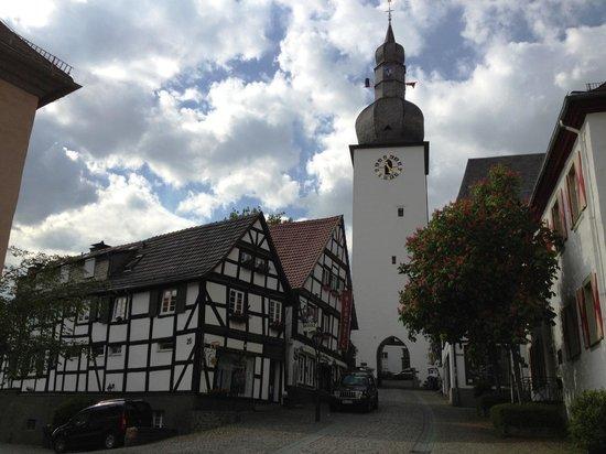 Zum Alten Schloss: Oude toren van Arnsberg.