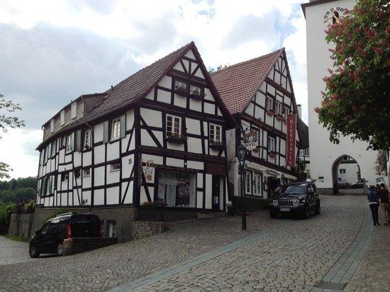 Voorkant Zum Alten Schloss