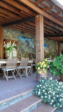 Buranco: The Breakfast Room