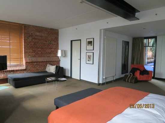 The junior suite picture of gastwerk hotel hamburg for Suite hotel hamburg