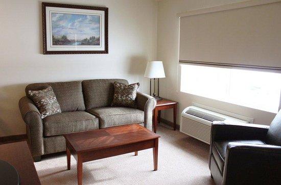 Noble Inn: Living Room Area