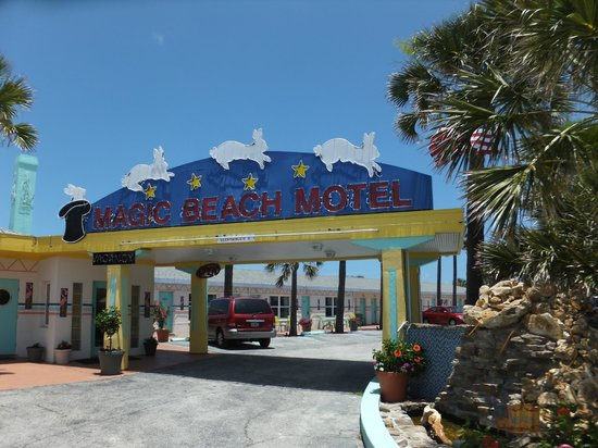 Magic Beach Motel: Entrance