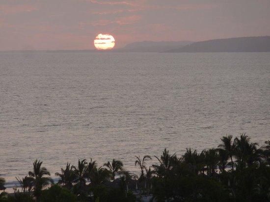 Grand Luxxe Nuevo Vallarta: Sunset