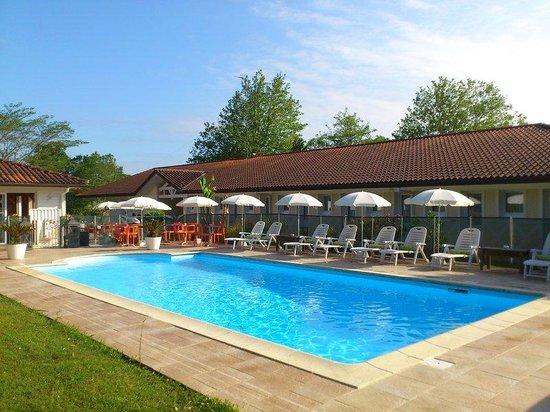 Inter-Hotel Le Lodge : swimming pool