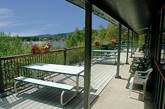 Western Riviera Lakeside Lodging & Events : Lake Cabins