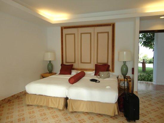 Samui Palm Beach Resort & Hotel : bungalow au bord de la pisine RDC