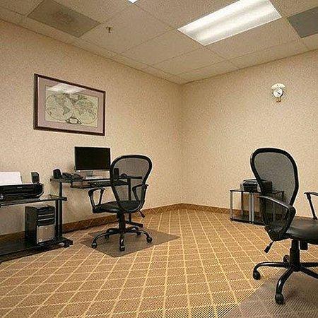 Plaza Hotel & Suites: Royal Arkansas Hotel Conference Center