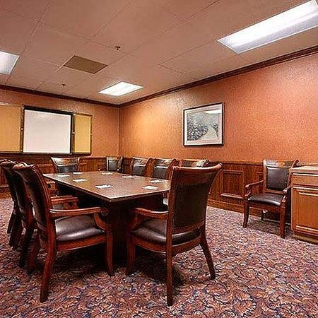 Plaza Hotel & Suites: Royal ARMeeting