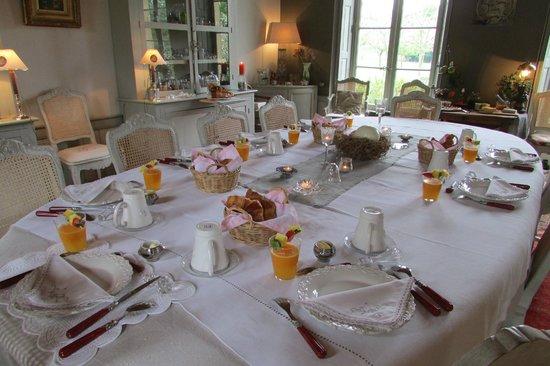 La Reserve: Breakfast in the Dining Room