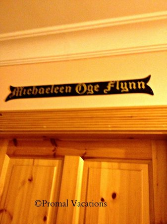 Michaeleen's Manor: Our room name