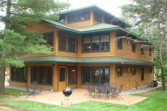 Clamshell Beach - Cottages on Whitefish: Lakefront
