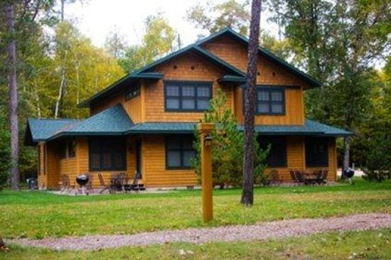 Clamshell Beach - Cottages on Whitefish: Lakeview