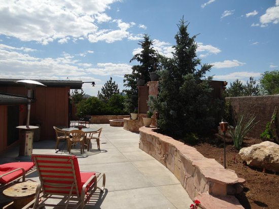 Canyon Motel & RV Park: Hiddengarden Patio