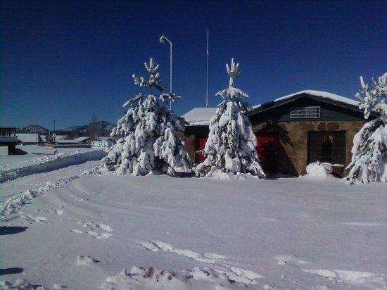 Canyon Motel & RV Park: Winter Wonderland