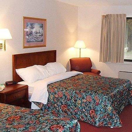 Magnuson Hotel Dixon Room