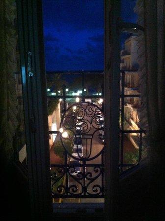 Hotel Eden : at night in Juan les Pins
