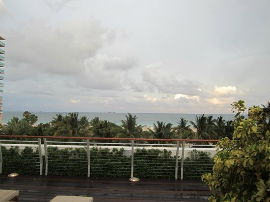 The Betsy - South Beach : View of the ocean from the roof top deck