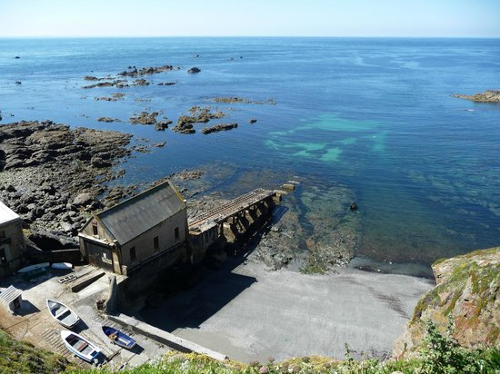 Abandoned Life Boat Station at Lizard Point - Picture of The Lizard ...