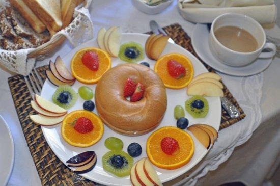 Emlagh Lodge: Pretty breakfast