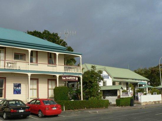 Mangonui Hotel : Mangonui-Hotel - von außen ganz schön, aber ....