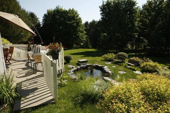 Au Gite de la Maison Hote : Le jardin