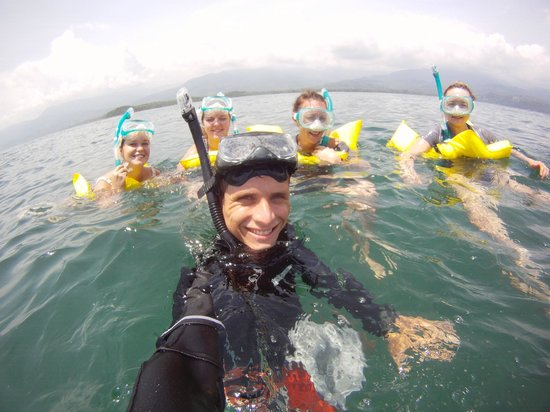 Cabinas Los Laureles - Tours: Snorkel tour!!! Our adventure in the ocean!!! fun In the waves and all.