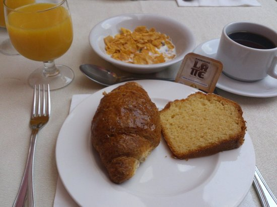 Hotel Gioberti: Plain simple breakfast
