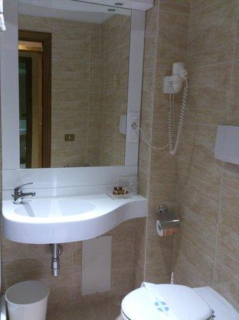 Hotel Gioberti: Bathroom