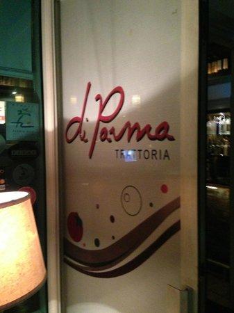 di Parma Trattoria : Front door