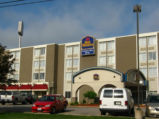 BEST WESTERN Cooper's Mill Hotel: Front entry