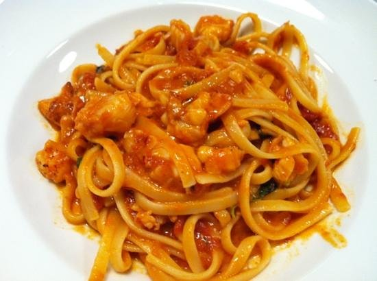 Manzo : Linguini with Lobster