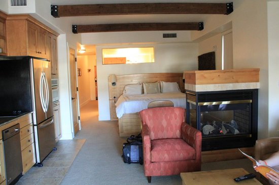 Newpark Resort & Hotel: Bedroom>King Suite