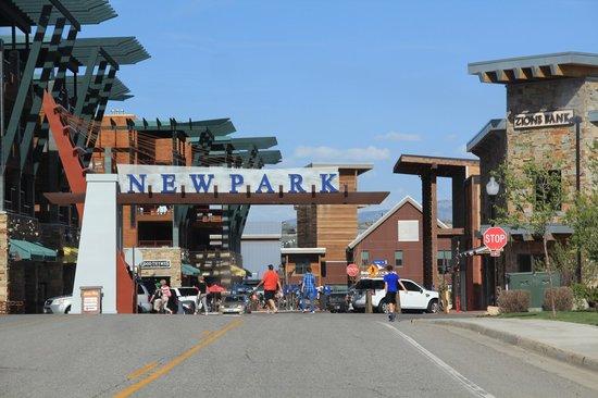 Newpark Resort & Hotel: Hotel Entrance
