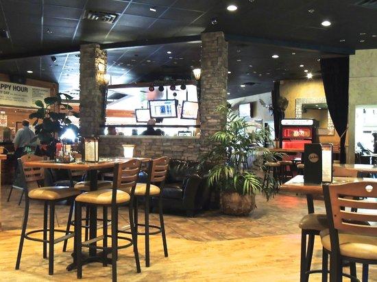 Mad Jacks Sports Cafe : Looking toward the bar area