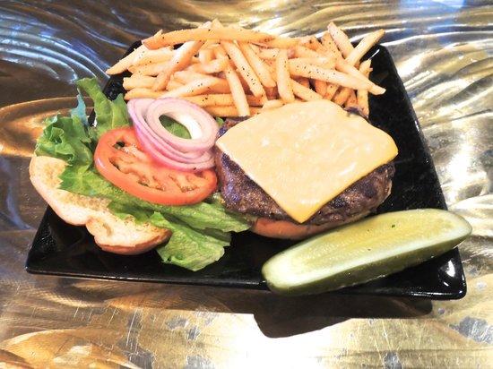 Mad Jacks Sports Cafe: Burger & Fries