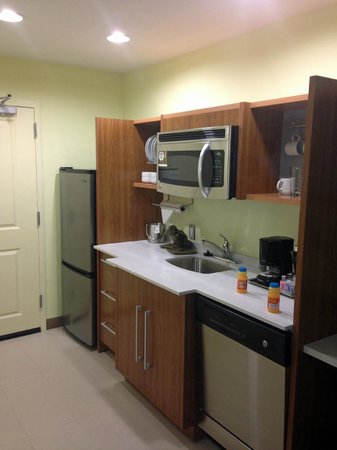 Home2 Suites By Hilton Augusta: kitchen overview