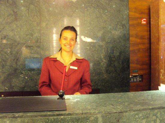 K+K Hotel Fenix: Nossa boa samaritana, PIETRA