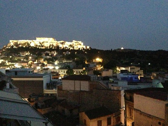 AthenStyle Hostel: View of the Acropolis