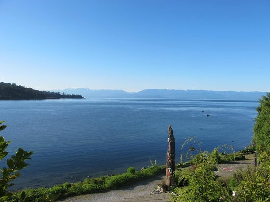 Sooke Harbour House Resort Hotel: view from Whale Room