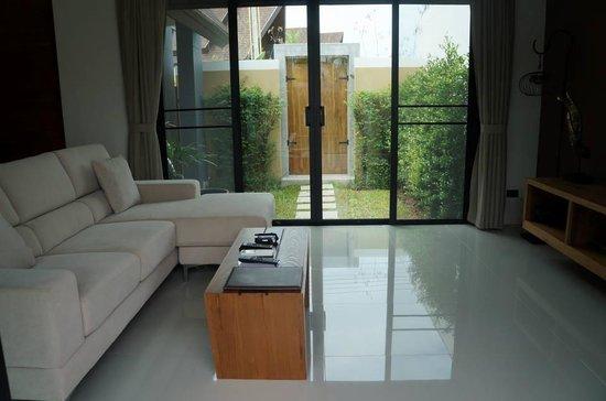 The Kiri Villas Resort: Over looking mini garden
