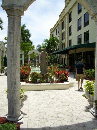 Hampton Inn West Palm Beach Florida Turnpike : Grounds
