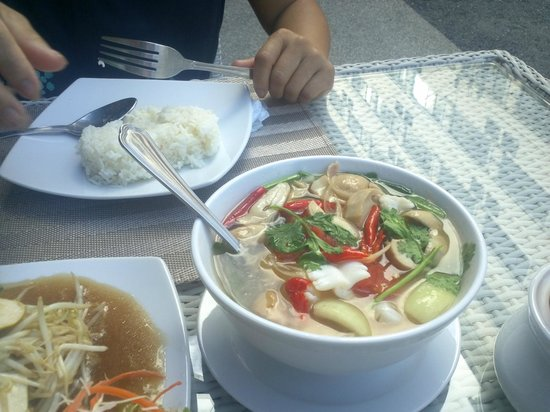Seacono Hotel: Thai food good
